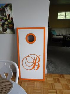 I think I'll paint my new corn hole set like this:)