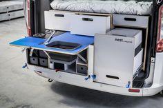 car<box je vestavba, která jednoduchým vložením do zavazadlového prostoru promění váš vůz v komfortní kempingové auto.