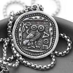 Necklace for Men 1pcs//lot St Francis Logo Necklace Pendant Saint Charm Art Handmade Round Vintage Bronze Necklace Women Jewelry Men Gift