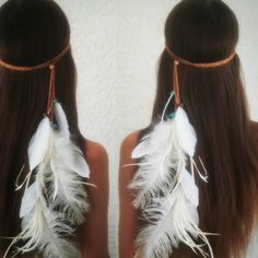 Boho bridal feather headdress. Adorned with turquoise and tigers eye crystal fragments. The perfect touch to any boho style. Available in my etsy shop Link in my bio  #Tribal  #bohemian #boho #featherheadband #bohobride #coachella #beautiful #beauty #bridalshower #bohowedding #bridalhair #featherheaddress  #henparty #gypsy #instagood #girl #hippie #etsy #gypsy #goodvibes #Longhair #weddingphotography #highsociety #festivalheadwear #freespirit #weddinginspo #goodvibes #bride #wanderlust…