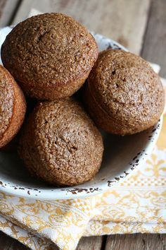 Classic Raisin Bran, is it the perfect breakfast muffin? Sometimes a classic recipe is still the best. Zucchini Muffins, Protein Muffins, Healthy Muffins, Raisen Bran Muffins, Muffins Blueberry, Raisin Muffins, Bran Muffins With Raisins, Almond Muffins, Cranberry Muffins