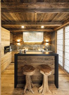 Caracter CASA PRIVATA - Caracter Chalet Interior, Chalet Style, Wood Architecture, Cabin Interiors, Interior Decorating, Interior Design, Rustic Bathrooms, Wooden House, Cabins In The Woods