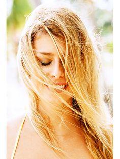 Lighten hair naturally Source by Lilleprincess Lighten Hair Naturally, How To Lighten Hair, Blorange Hair, Castor Oil Hair Treatment, Beach Blonde Hair, Prevent Grey Hair, Coconut Oil Hair Mask, Natural Hair Styles, Long Hair Styles