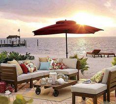Rustikale Gartenmöbel Sind Also Für Menschen Da, Welche Die Lässigkeit  Lieben. Sie Sind Ebenfalls Passend, Wenn Man Sich Lieber In Einem  Traditionellen Als