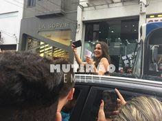 Emilly Araújo é cercada por fãs em evento de moda popular no Brás #BBB, #Bbb17, #Emilly, #Gente, #Globo, #Instagram http://popzone.tv/2017/06/emilly-araujo-e-cercada-por-fas-em-evento-de-moda-popular-no-bras.html