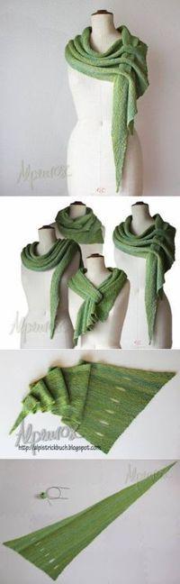 Knitting Patterns Clothes interesting idea for shawls / Knit / Crochet shawl spokes Crochet Scarves, Crochet Shawl, Knit Crochet, Knitting Scarves, Crochet Bebe, Crochet Stitches, Diy Fashion, Ideias Fashion, Womens Fashion