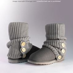 Cardi sock ugg boots in grey. one pair of uggs I'd actually rock Fashion Socks, Looks Cool, Short Boots, Ugg Boots, Just In Case, Me Too Shoes, Heeled Boots, Uggs, Baby Shoes