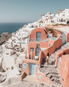 A complete guide to Santorini and the Greek Islands. Includes the travel tips, the best beaches, hikes, Instagram photo locations, itinerary ideas, sightseeing spots, where to stay, what to eat and more.