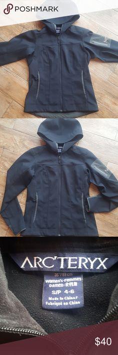 ARC'TERYX Hooded Jacket Lightweight. Soft fleece interior. Hand pockets. No flaws Arc'teryx Jackets & Coats