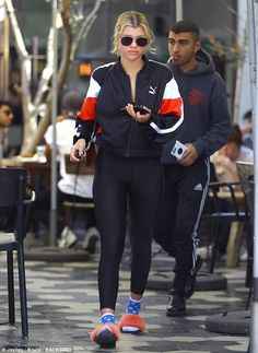 An unusual step: Sofia Richie clearly believes it is also her own living room as she stepped out in some curious footwear on Thursday in West Hollywood Sport Fashion, Fitness Fashion, Fashion Models, Lazy Day Outfits, Casual Outfits, Fashion Outfits, Celebrity Outfits, Celebrity Look, Sofia Richie