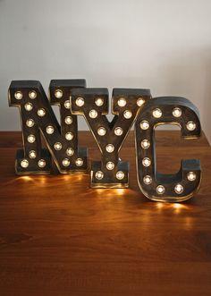 marquee letters , enseigne lumineuse diy                                                                                                                                                                                 Plus Marquee Love, Marquee Letters, 3d Letters, Marquee Lights, Diy Luminaire, Light Up Letters, I Love America, Heidi Swapp, Small Studio