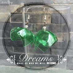 Zarcillos plásticos pet! En color verde. Joyería en armonía con el ambiente