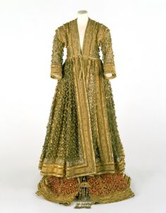 omgthatdress:  Court Ensemble India (Lucknow), 19th century The Victoria & Albert Museum