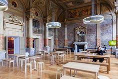Un espace, un café et du wifi : les 7 bonnes adresses pour travailler à Paris - Neo-nomade news Architecture, Foyer, Coffee Shops, Outer Space, Parisians, History, Places, Modern, Arquitetura