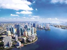 The Miami real estate market remains a top destination for foreign buyers despite economic slowdowns in Latin America and Western Europe, with more foreign buyers in Miami than in the rest of the U.S.! #miamirealestate #miamirealestatemarket #foreignbuyers #miamihomesforsale #investmentproperty #metroblog