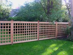 Wooden Lattice Fences In The Yard : Outdoor Lattice Fences For Your Yard