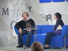 """Mathias Énard stellte auf dem Blauen Sofa sein Buch """"Straße der Diebe"""" vor. #FBM13"""