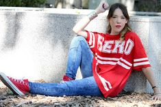 La vie en Rouge : HERO t-shirt! White Keds, Beauty Blender How To Use, How To Stop Snoring, Snoring Remedies, Zara, Red Converse, Pull N Bear, How To Grow Taller, T Shirt