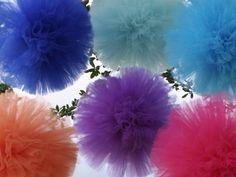 A algum tempo atras, se não me engano em Julho publiquei sobre possibilidades de se trocar os tradicionais balões de festa e inovar na decoração ( ) . Tenho pensado muito nisso ultimamente e desco…