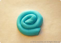 Guest Post! Sculptable frosting by Cheryl of Sew Can Do | The Decorated Cookie