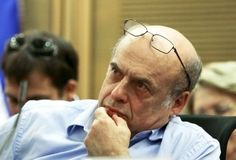 """Thirty years after being released from a Soviet prison, Jewish Agency head and former Prisoner of Zion Natan Sharansky tells Israel Hayom how he not only survived, but grew stronger in jail • """"I played thousands of games of chess in my mind,"""" he says."""