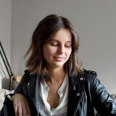 Réservez une coupe de cheveux avec un coiffeur visagiste à domicile — Service de coiffure à domicile 7j/7 – The reporthair