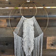 ✨DON'T FORGET!✨ I'm doing a giveaway for this lovely feathered hoop! To enter, check out my original post! Winner will be notified via DM… Macrame Art, Macrame Projects, Cute Bedroom Ideas, Macrame Tutorial, Macrame Bracelets, Diy Wall Art, Dream Catcher, Giveaway, Weaving