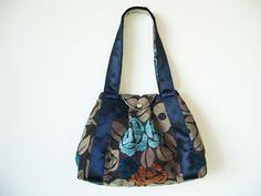 Schultertaschen - Die Blaublütige M - ein Designerstück von RUNA-Taschenspielereien bei DaWanda