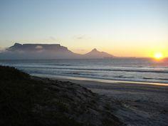 La #plage de #Bloubergstrand près du #Cap. #AfriqueDuSud