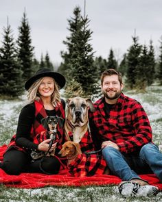 christmas pictures Great Plains Flannel - Matching Sizes for Dogs + Humans Christmas Pictures Outfits, Xmas Photos, Family Christmas Pictures, Holiday Pictures, Christmas Photo Cards, Christmas Dog, Christmas Card Photo Ideas With Dog, Christmas Photo Shoot, Christmas Couple