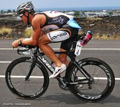 Crowie's TT position. Wow, compact. Kit isn't terrible.
