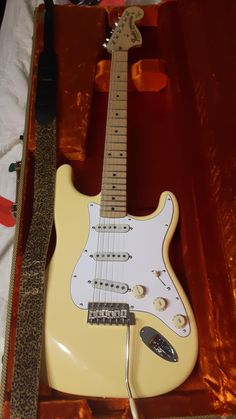A place to share or ogle at fancy pictures of yours or others' guitars and related instruments. Fender Stratocaster, Guitar Fender, Gibson Guitars, Music Guitar, Cool Guitar, Playing Guitar, Guitar Case, Music Aesthetic, Retro Aesthetic