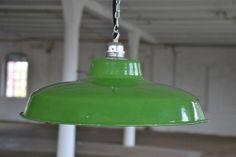 http://allegro.pl/lampa-emaliowana-industrialna-przemyslowa-1930r-i3767288655.html