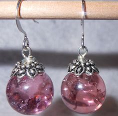 Cracked marble jewelry - Bake at 400 to 450 degrees for about 20 minutes. Place in ice water. Marble Jewelry, Wire Jewelry, Beaded Jewelry, Jewelery, Marble Necklace, How To Make Earrings, Diy Earrings, Angel Earrings, Bead Crafts