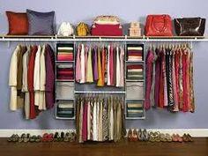 closet com araras e prateleiras - Pesquisa Google
