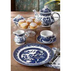 Blue Willow China, Blue And White China, Blue China, Blue Willow Decor, Blue And White Dinnerware, Blue Dinnerware, Porcelain Dinnerware, Dresser La Table, China Platter