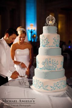 disneyland wedding cake flavors 82 best cake design for disney wedding cakes images on 13560