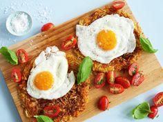 Røsti med rotgrønnsaker, egg og tomater