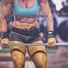 People who accomplish great things combine a passion for a single mission with an unswerving dedication to achieve that mission, whatever the obstacles and however long it might take. Crossfit Lifts, Crossfit Body, Crossfit Women, Crossfit Chicks, Body Inspiration, Fitness Inspiration, Ripped Girls, Martial Arts Women, Muscular Women