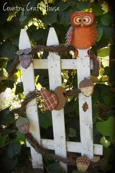 Fall fence by Country Craft House