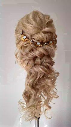 Short Wedding Hair, Wedding Hair Down, Wedding Hairstyles For Long Hair, Loose Hairstyles, Gown Wedding, Wedding Cakes, Lace Wedding, Wedding Rings, Wedding Dresses