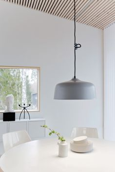 Dazzling Scandinavian Dining Room Ideas That Will Steal Your Heart Dining Room Lamps, Dining Room Lighting, Dining Room Design, Dining Area, Open Plan Kitchen Diner, Scandinavian Style Home, Interior Styling, Interior Design, Minimalist Interior