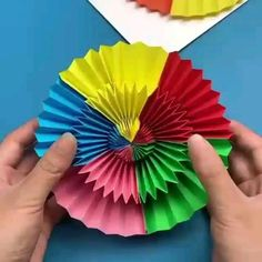 Mind Satisfying Paper Art Try… This will reduce your stress. Paper Folding Crafts, Cool Paper Crafts, Paper Crafts Origami, Origami Art, Paper Mache Crafts For Kids, Origami Boxes, Origami Bookmark, Origami Flowers, Diy Crafts Hacks