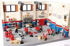 restoration workshop Vespa - 100% Lego - Page 2