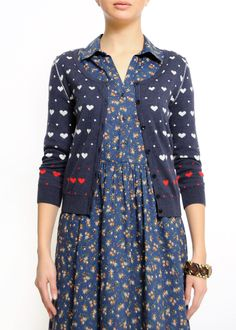 Very sweet cardi. I can see it with some nice jeans or a simple skirt.