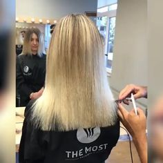 Brunette Balayage for Thick Hair - 50 Cute Long Layered Haircuts with Bangs 2019 - The Trending Hairstyle Hair Cutting Videos, Hair Cutting Techniques, Hair Videos, Face Shape Hairstyles, Cool Hairstyles, Khloe Kardashian Hair, Layered Haircuts With Bangs, Stylish Hair, Curly Hair Styles