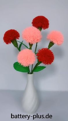 Paper Flowers Craft, Paper Crafts Origami, Flower Crafts, Diy Flowers, Fabric Flowers, Diy Crafts Hacks, Diy Crafts For Gifts, Pom Pom Crafts, Paper Flower Tutorial