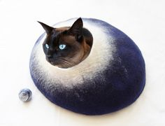 Large Midnight Moon Cat Bed Cave House Cocoon Felted Wool FREE Ball