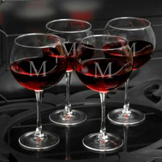 Personalized Red Wine Glasses Set of 4 #gift #wedding #anniversary #birthday