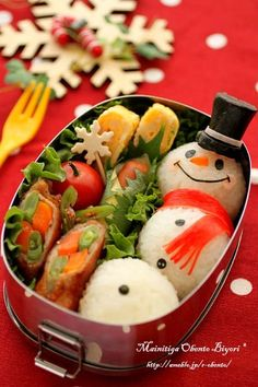 Riceball snowman with sausage hat